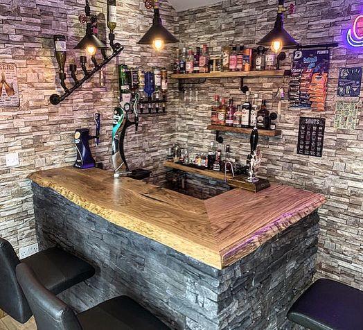 rustic oak bar top by Earthy Timber