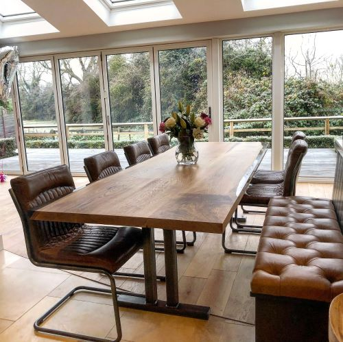 EARTHY TIMBER UK oak resin dining table