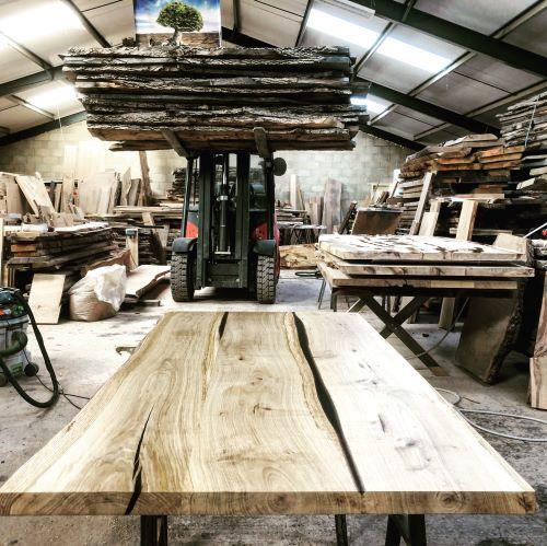 EARTHY TIMBER oak river tables UK