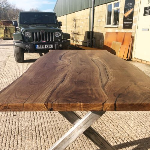oak resin river tables by Earthy Timber