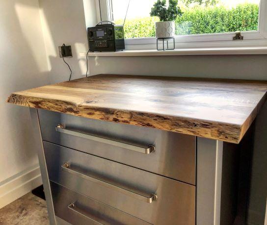 waney edge oak worktop by Earthy Timber